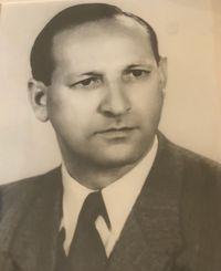 סם טוסמן - מייסד